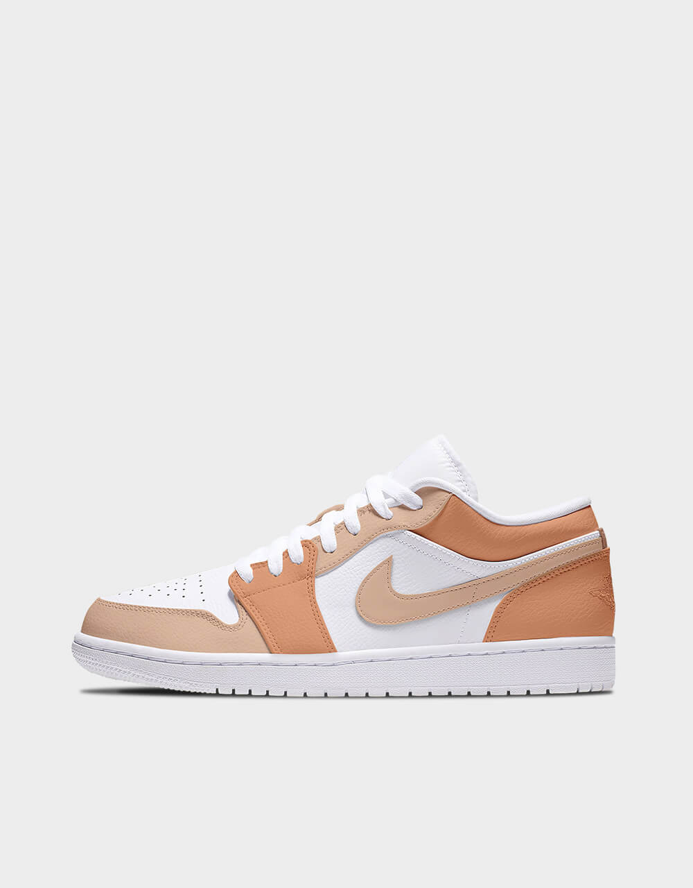 "Sneakers Air Jordan Low, modèle ""Amberglow Sandstone"""