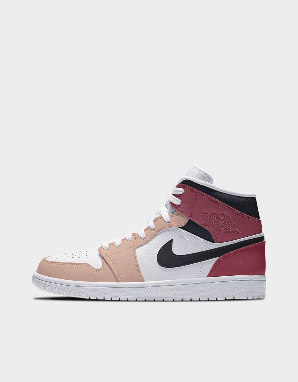 "Sneakers Air Jordan Mid, modèle ""Peach Nougat"""